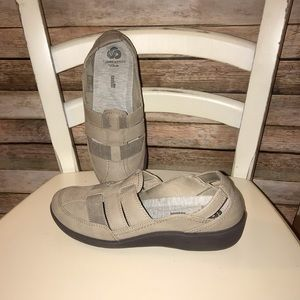 Cloudsteppers by Clarks ~ slip on shoes~ Size 7.5